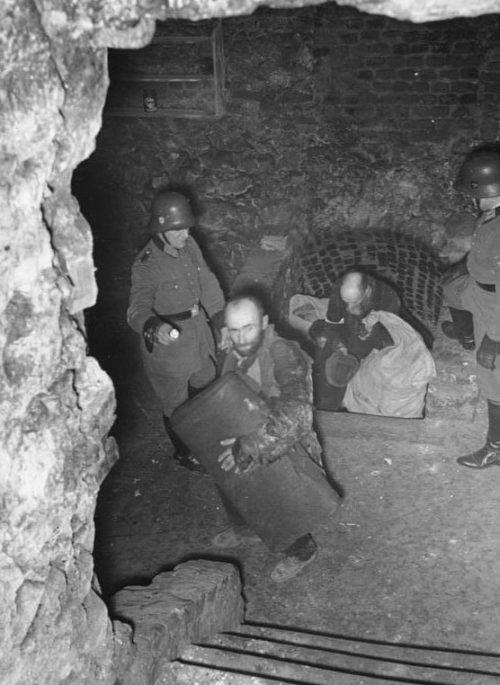 Облава в гетто. Декабрь 1940 г.