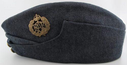 Пилотка военнослужащих ВВС.