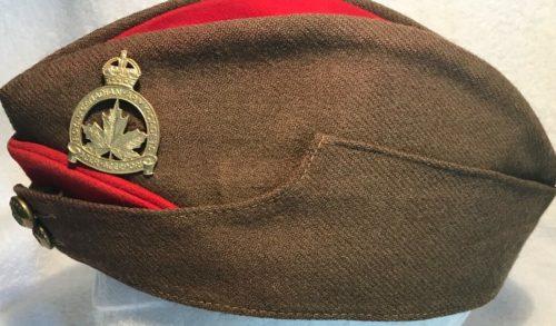 Пилотка военнослужащих бронетанкового полка Онтарио.