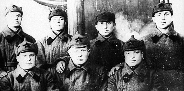 Коллективная фотография защитников Брестской крепости накануне войны. 1941 г.