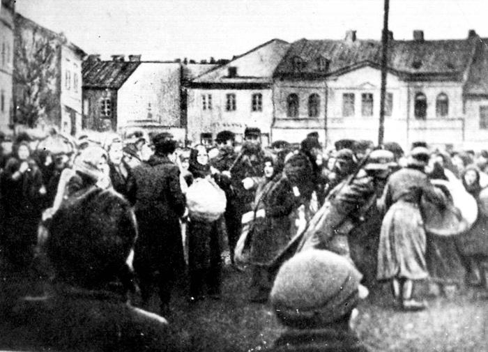 Отправка евреев в концлагерь Белжец. Декабрь 1940 г.
