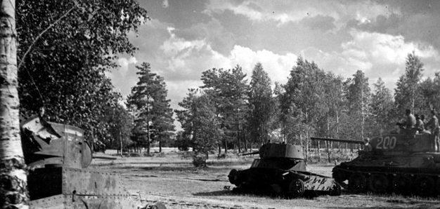 Советская бронетехника у Бреста. Июнь 1941 г.