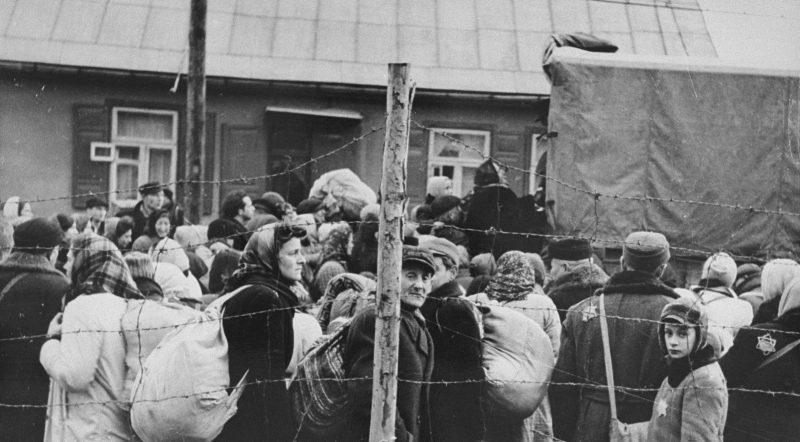 Депортация евреев из Ковенского гетто. 1942 г.