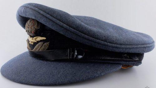 Фуражки офицеров ВВС.