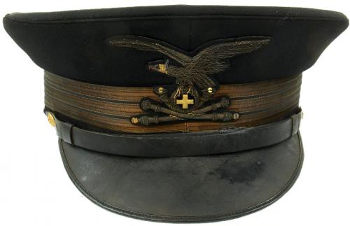 Фуражка фашистского офицера альпийского артиллериста.