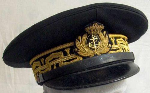 Фуражка контр-адмирала ВМФ Королевства Италия.