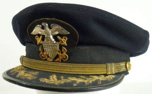 Фуражка командующего ВМС образца 1943 года.