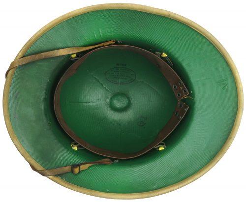 Пробковый тропический шлем.