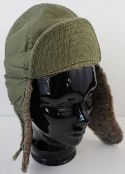 Зимняя шапка с мехом.