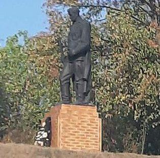 с. Белашки Тальновского р-на. Памятник, установленный на братской могиле советских воинов.