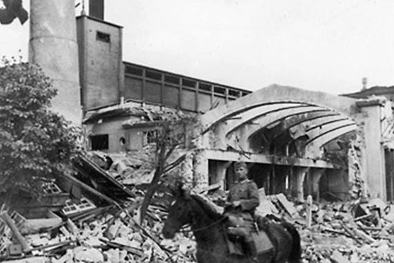 Таллиннская электростанция, взорванная отступающей из города Красной Армией. Сентябрь 1941 г.