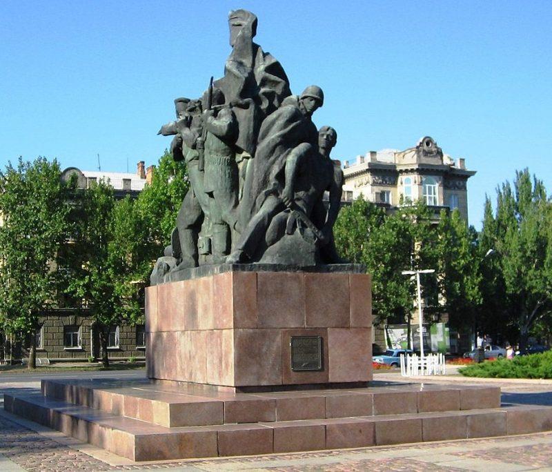 Памятник 68 героям-десантникам.