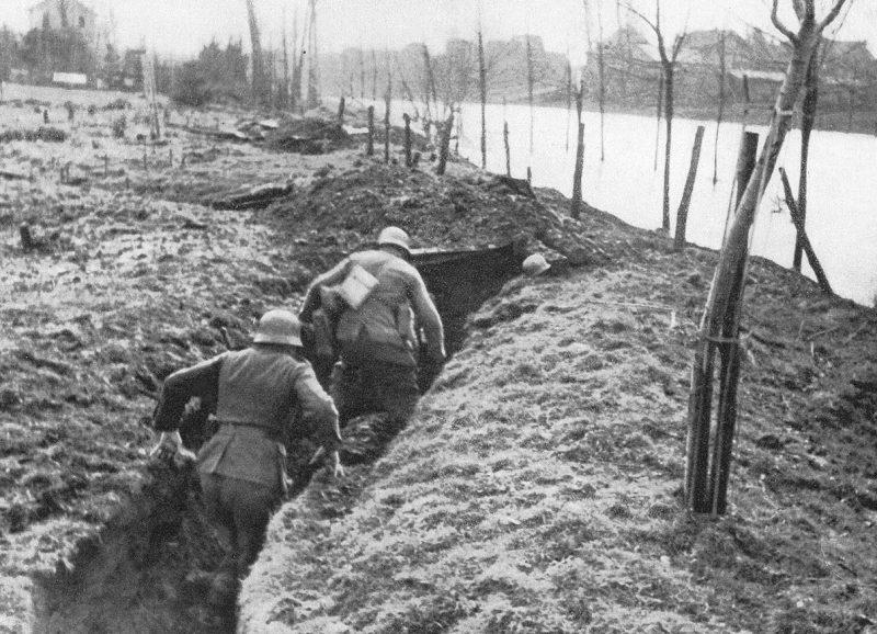 Немецкие войска в обороне.