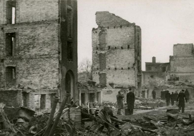 Улица Харью после бомбардировки 9 марта 1944 г.