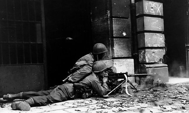Бой на улице Ахена.