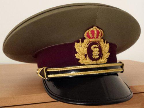 Фуражки офицеров разных родов войск.