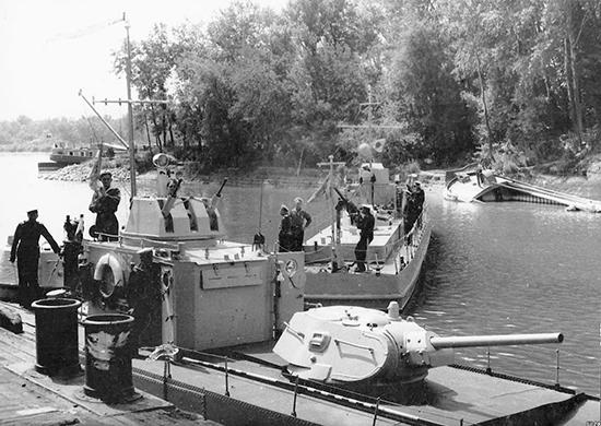 Речной монитор «Бердянск» Дунайской военной флотилии.