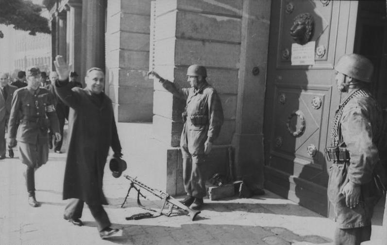 Ференц Салаши после назначения премьер-министром Венгрии.