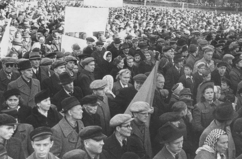 Митинг в Таллине, посвященный освобождению Эстонии от немецких войск.