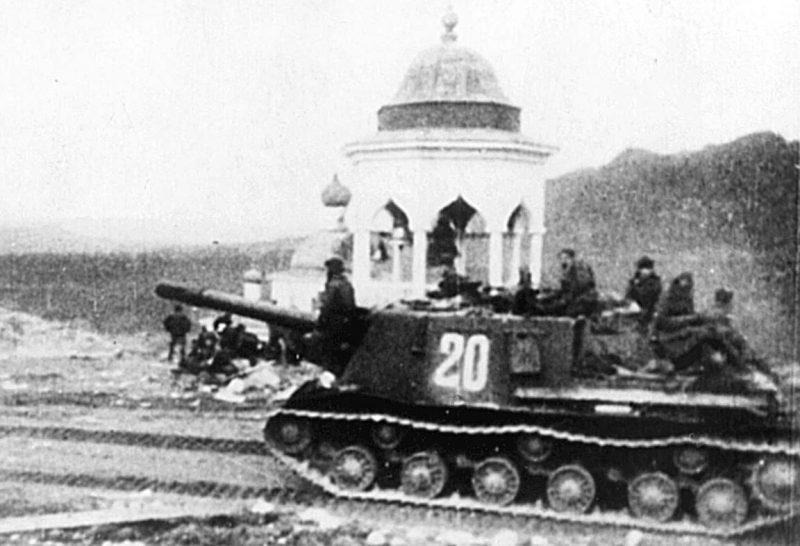 Советские танки в Петсамо.