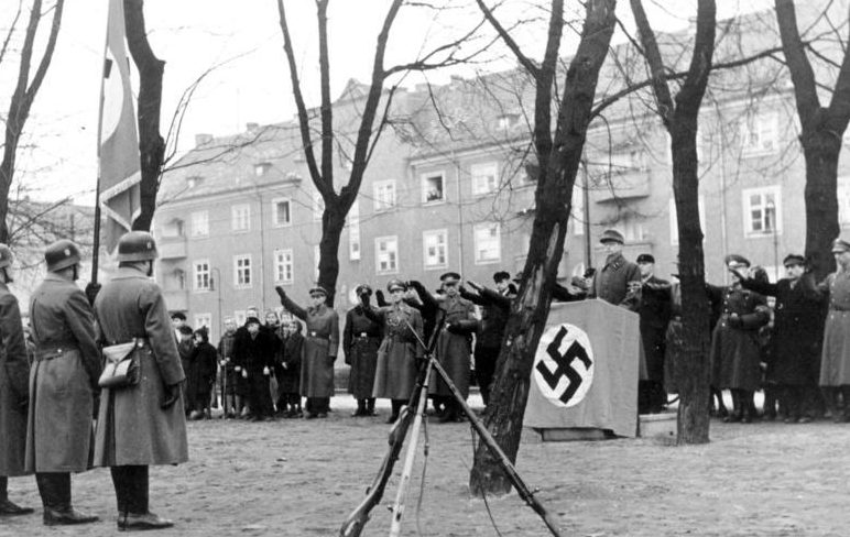 Приведение к присяге новобранцев Фольксштурма.