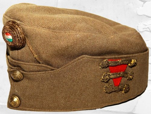 Пилотка хлопчатобумажная артиллериста-свободника (старшего солдата) образца 1920 года.