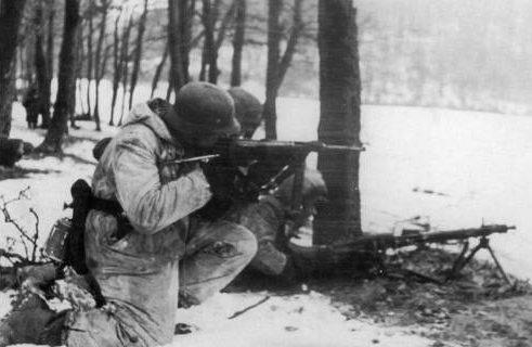 Эсэсовцы во время операции «Конрад».