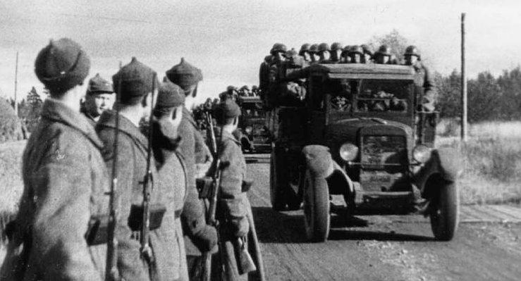 Части 65-го особого стрелкового корпуса Красной Армии вступают в Эстонию. Октябрь 1939 г.