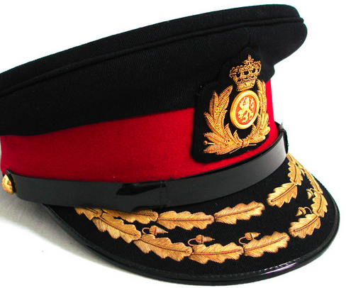 Фуражка старшего офицера армии.
