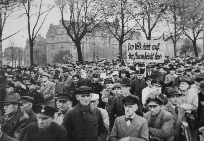 Митинг, посвященный созданию Фольксштурма в Данциге. Октябрь 1944 г.
