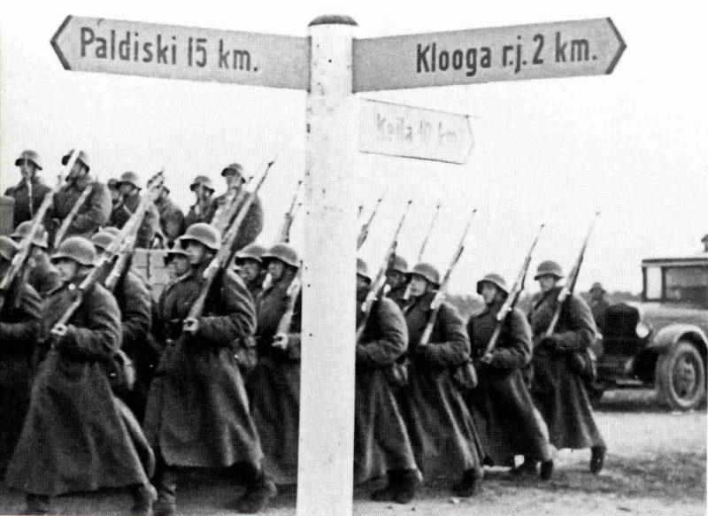 Красная Армия на пути к Палдиски. 1939 г.