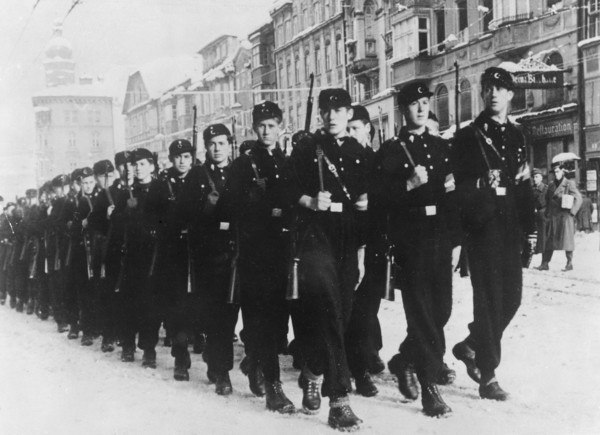 Ополченцы из Гитлеюгенда. Октябрь 1944 г.