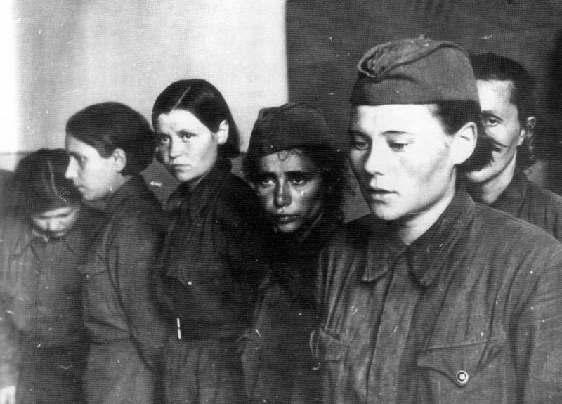 Военнопленные. Невель, июль 1941 г.