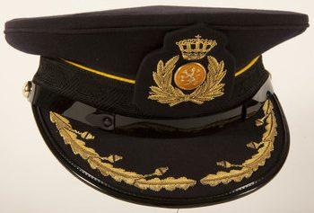 Фуражка офицера-кавалериста.