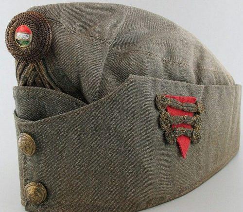 Пилотка хлопчатобумажная капитана-артиллериста образца 1920 года.