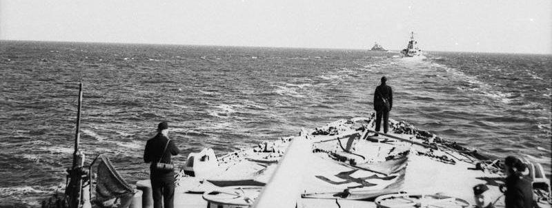 Немецкий легкий крейсер «Эмден» в пути в Осло. Апрель 1940 г.