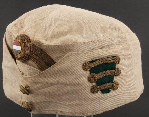 Летняя хлопчатобумажная пилотка подполковника образца 1920 года.