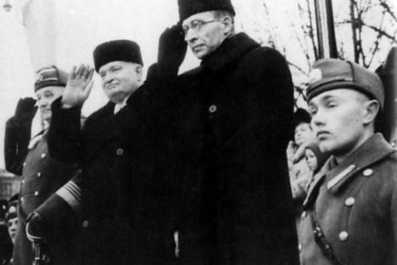 Командующий вооруженными силами Йохан Лайдонер, президент Константин Пятс и премьер-министр Юри Улуотс. 24 февраля 1940 г.