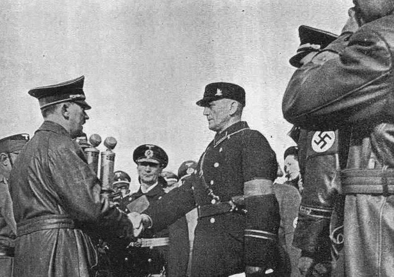 А.Гитлер в Мемеле. Март 1939 г.