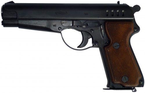 Одна из моделей Volkspistole Walther под серийным номером 105.