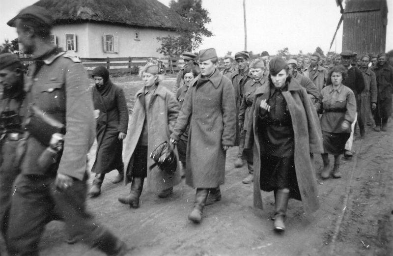 Женщины в плену. Ноябрь 1941 г.