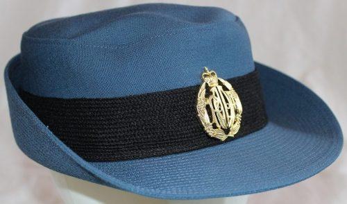 Шляпы женщин военнослужащих вспомогательной службы ВВС.