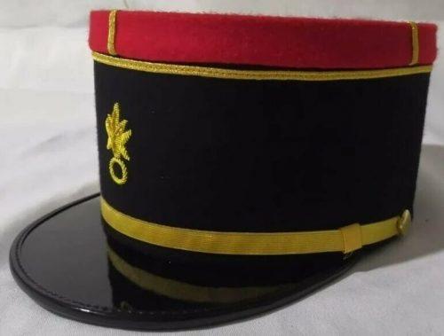 Кепи офицера армии.
