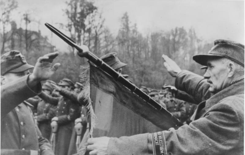 Присяга фольксштурмистов на позициях. Ноябрь 1944 г.