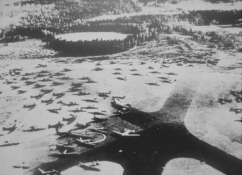 Немецкие самолеты в аэропорту Осло-Форнебу. Апрель 1940 г.