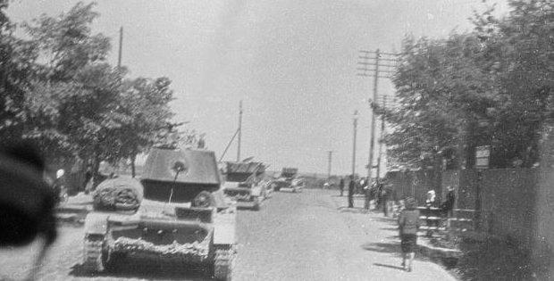 Советские танки в Таллине. 1941 г.
