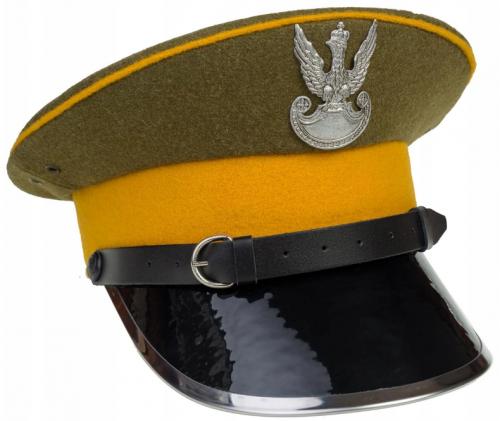Круглая фуражка военнослужащего польского кавалерийского полка образца 1936 года.
