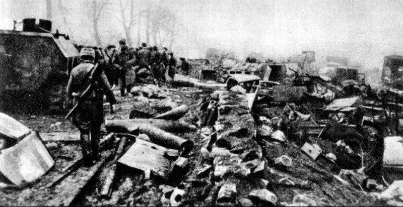 Разбитая техника немецкой армии на Земландском полуострове. Апрель 1945 г.