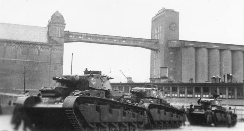 Танки в порту Осло. Апрель 1940 г.