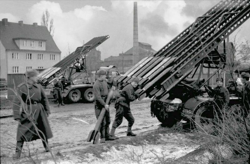 Катюши в Нимерзате (Нимерсете) - недалеко от Клайпеды. Январь 1945 г.